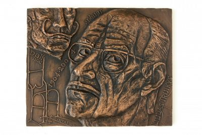 Liudas Truikys ir Salvadoras Dali. 2004 m. Varis, galvanoplastika, 16,5 × 20 cm